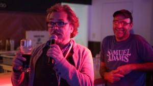 Christian Bégin avec Daniel Tessier, propriétaire du Théâtre La Taverne. Photo Carl Tremblay